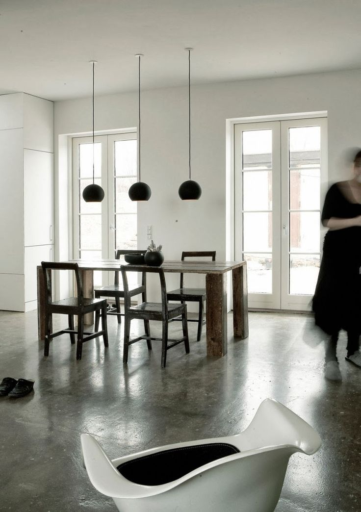 An artist's home in black, white and concrete