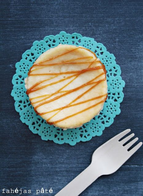mini pear cheesecake