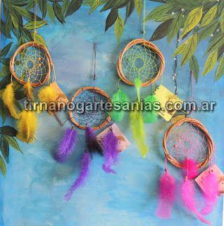 Atrapasueños mediano. 12cm. Todos los colores. Incluye leyenda del atrapasueños en papel artesanal batik. http://www.tirnanogatrapas.com.ar/sencillos