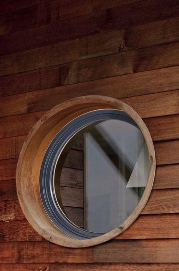 Un classique toujours actuel : les fenêtres oeil de boeuf pour ses combles - Combles aménageables : les 10 idées qui vous changeront la vie - CôtéMaison.fr