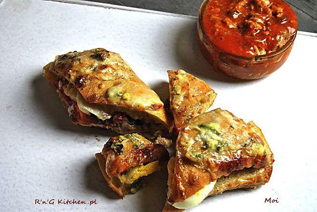 R'n'G Kitchen: Zapiekane kanapki z tuńczykiem i serem pleśniowym