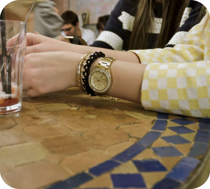 Blogger accessories: bracelets and golden watch  http://www.budapestwithus.hu/blogger-kerekasztal/