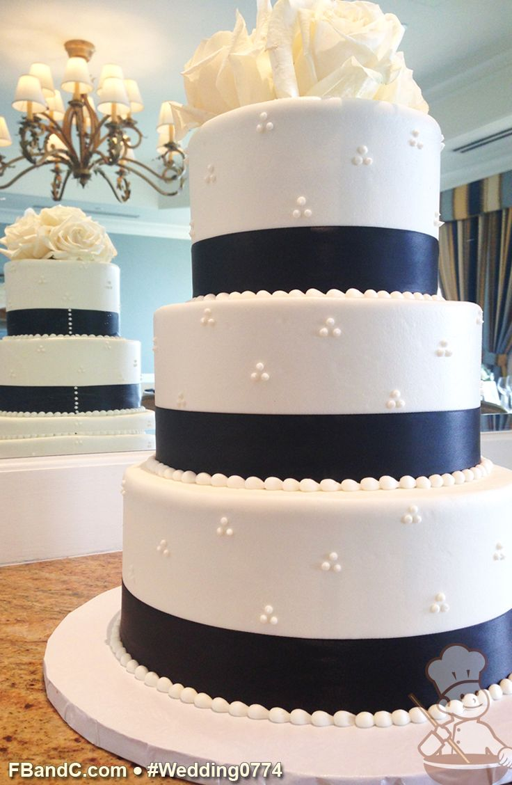 "Design W 0774 | Butter Cream Wedding Cake | 10""+8""+6"" 