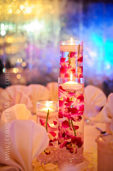 oh i love this!: Centerpiece Ideas, Centerpieces Ideas, Hawaiian The, Flowers Centerpieces, Floating Candles, Candles Centerpieces, Candle Centerpieces, Wedding Centerpieces, Center Pieces