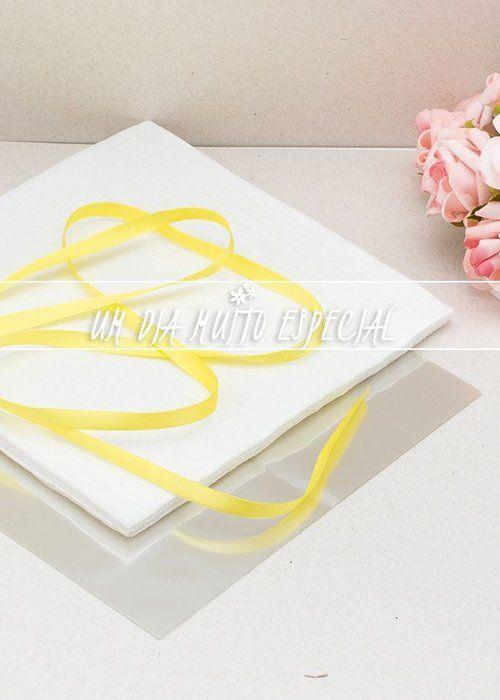 Kit de Embalagem para Bem-casado Branco/Amarelo (120 unds Papel Crepom + 120 unds Celofane + 100m Fita de Cetim Preto 7mm)