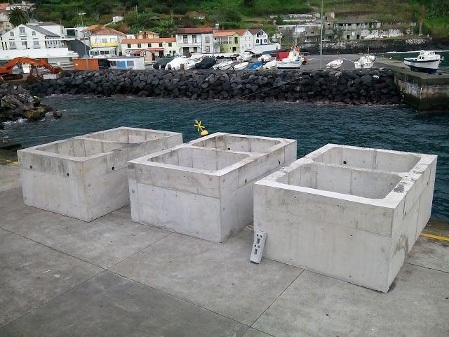 PORTO DA CALHETA: Rampa RO-RO do Porto da Calheta (20)