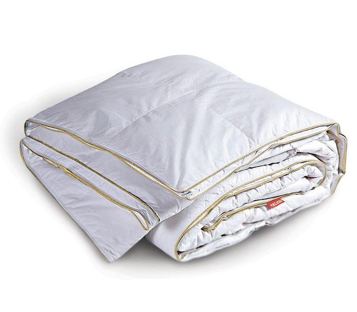 Πάπλωμα υπέρδιπλο με εσωτερικό γέμισμα από 100% πούπουλο χήνας και εξωτερικό ύφασμα από 100% βαμβακοσατέν 400 κλωστών.