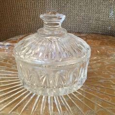 Used Vintage Glass Pot in SG14 Hertford for £ 5,00 – Shpock