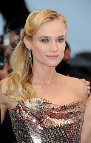 """Actress Diane Kruger attends the """"Amour"""" Premiere wearing Vivienne Westwood during the 65th Annual Cannes Film Festival at Palais des Festivals on May 20, 2012, in Cannes.: Half Up Hair, Blondes Hairstyles, Cannes Film Festivals, Makeup, Cannes France, Photo Galleries, Hairstyles Ideas, Actresses, Diane Kruger"""