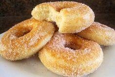 Пончики с сахаром и корицей