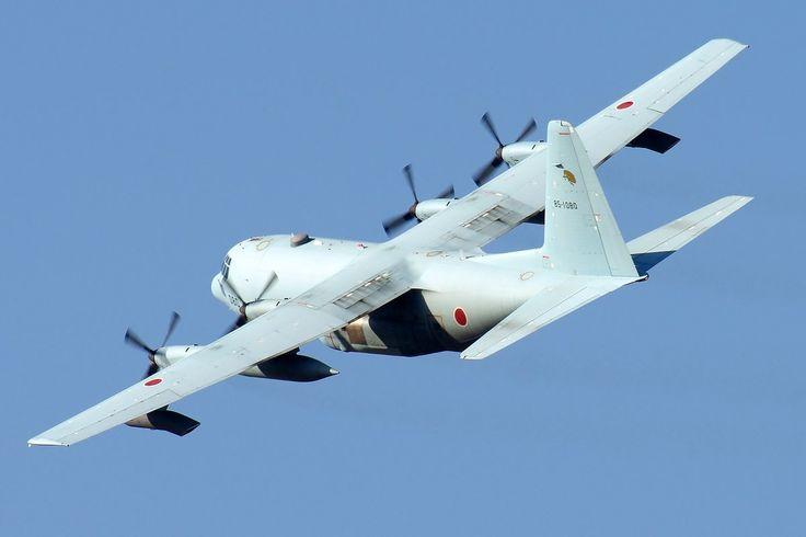 Cedar ®︎ @EPSHV     午後から予行でした。ハークの5機編隊は圧巻ですね。ハークはKC-130×2、C-130×3の構成、UH-60はJ×1、J II×2の構成でした