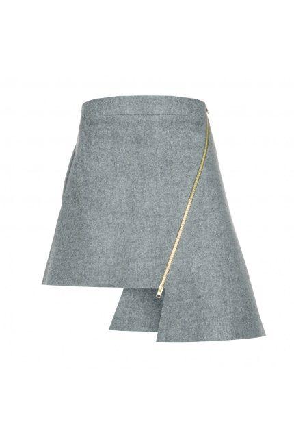 Asymetryczna spódnica z limitowane kolekcji LE GIA. Idealna na wieczorne spotkania.Kupicie ją na #BoutiqueLaMode.com za 499 zł. #spódnica #polskamoda #wakacje