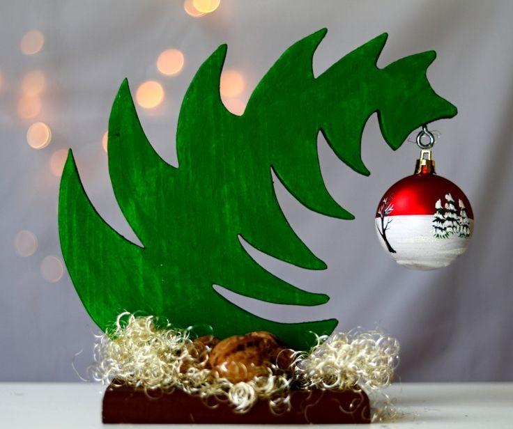 Do-It-Yourself – Kreieren Sie Weihnachtsschmuck mit einer Säge aus Restholz