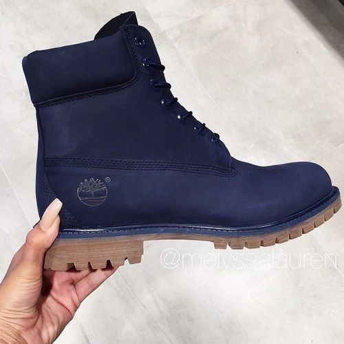 Navy blue Timbs. I have gray ones but I want these too