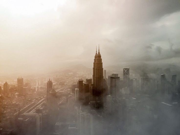 Download this free photo here www.picmelon.com #freestockphoto #freephoto #freebie /// City in Clouds | picmelon
