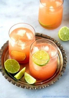 Cocktail-Gläser Paloma: der Sommer-Cocktail aus Mexiko mit Tequila mit Grapefruitsaft