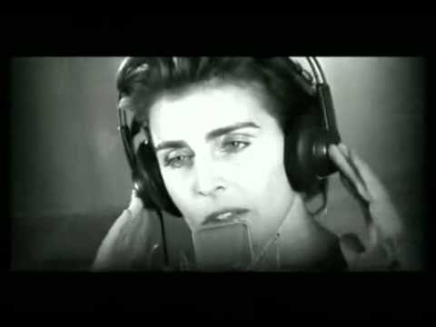 ▶ Antonia Dell'Atte - He comprado un hombre en el mercado - YouTube