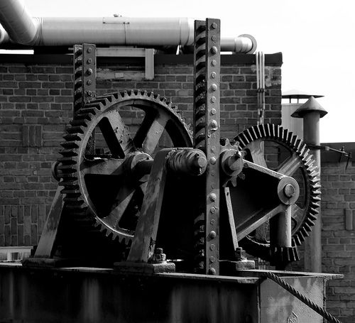 Old Machinery by eMurmeli