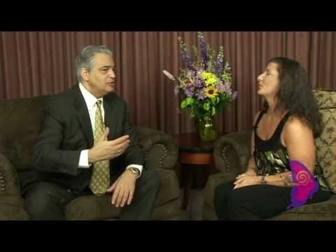 "Carly Alyssa Thorne interviews Bob Burg on his book ""The Go-Giver,"" his Go-Giver Certification Program, The 5 Laws of Stratospheric Success, and Life... For more on Bob Burg, go to: www.BobBurg.com Also check out: www.AYearOfSucces... 52 Weeks =1 yr of Wisdom Content w/ @BobBurg @SallyHogshead @Mark_Sanborn @LarryWinget ow.ly/i/1iADt For more on Carly Alyssa Thorne: www.CarlyThorne.com"