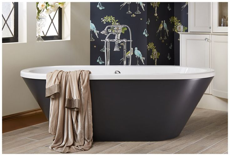 The show-stopping sensuelle bath painted in London Grey from the Roseberry colour palette #Roseberry #paintedtimber #bathroomfurniture #myutopia