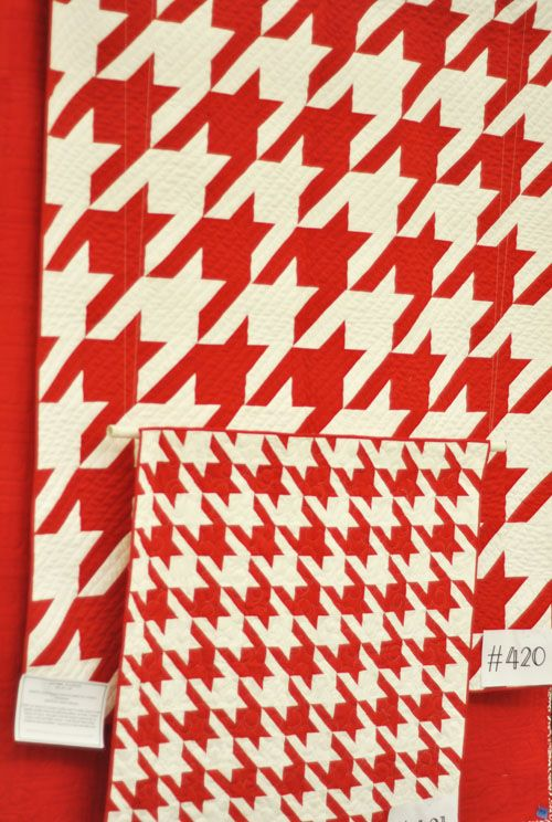 Here is the standard and the mini version of the HOUNDSTOOTH pattern [pattern by Vanessa Christensen] done by Anne Kensok. She loved making the stan...