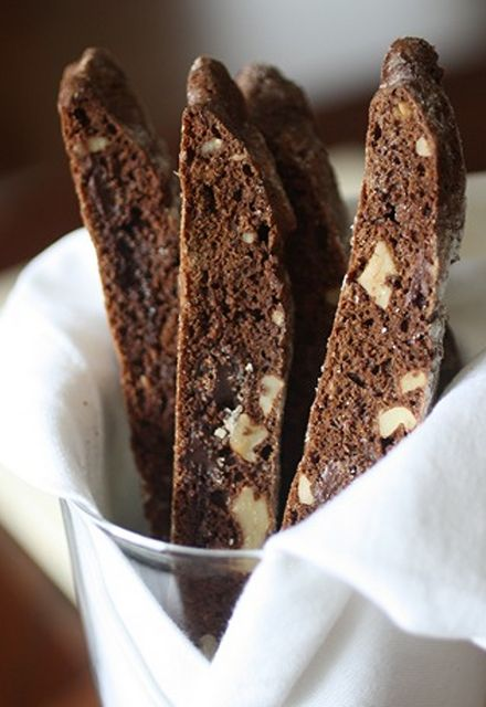 Scrumpdillyicious: Chocolate Walnut Biscotti