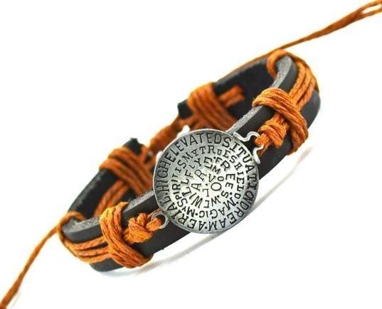Pánský kožený náramek s přívěskem oranžový – dárky pro muže Na tento produkt se vztahuje nejen zajímavá sleva, ale také poštovné zdarma! Využij této výhodné nabídky a ušetři na poštovném, stejně jako to udělalo již …