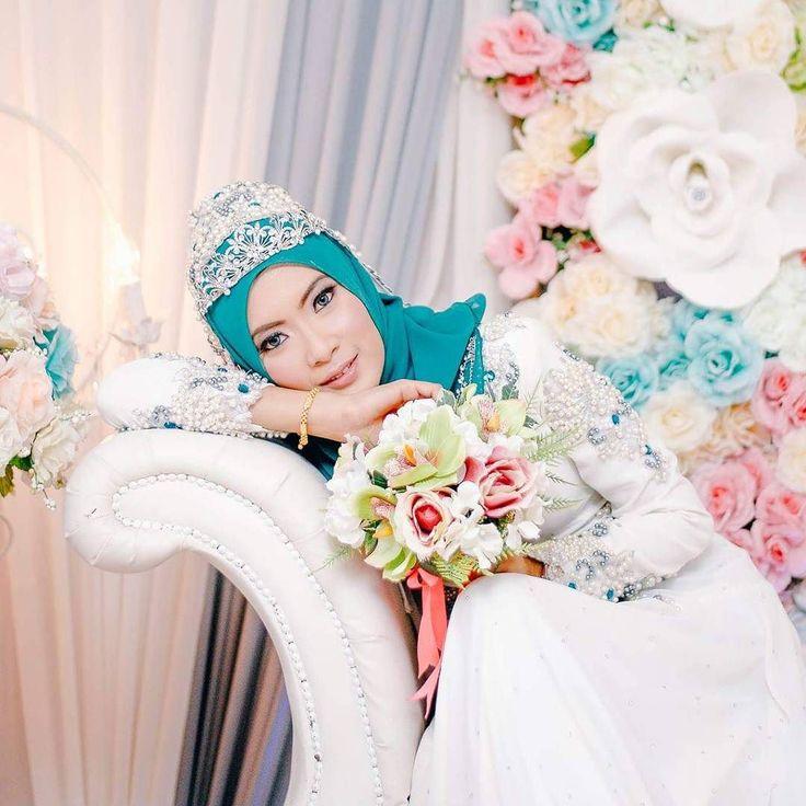 Staf Sarjan Fahmi  Azmirah | Labis  Johor . #IjazahCinta #wedding #couple #prewedding #muslimah #preweddingphoto #prewedd #maternityphotography #muslim #malaywedding #igers #malaysiawedding #malaysiaig #malaysianig #ikutcarakita #malaysia #instaphoto #insta #potraiture #potrait #model #asia #world #worldwide #worldcaptures #vscogrid #vsco #vscofeatures #vscocam #picofthedays by idzihar_photography