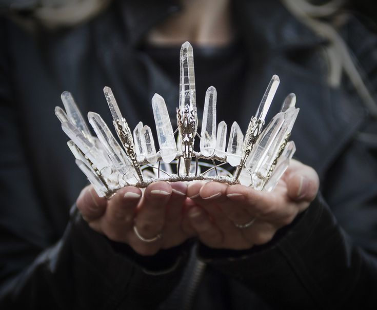 """DIY Inspiration: Rough Crystal Crowns. Rough Crystals and wire worked crowns. I've posted before where to look for """"rough crystals"""" and I have lots of tutorials on wire working (tagged wire on my blog). ice-nine: """" Handmade crowns by Elemental..."""