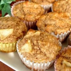 Apple Oatmeal 3 Point Weight Watchers Muffins Recipe | Yummly  (I made some changes to this recipe they are 3/4 cups Milk, 1 tsb Cinnamon,  Applesauce 2 tsp instead of oil.) This made the point value 2.5 pts per muffin with 16 muffins being made. - with GF flour