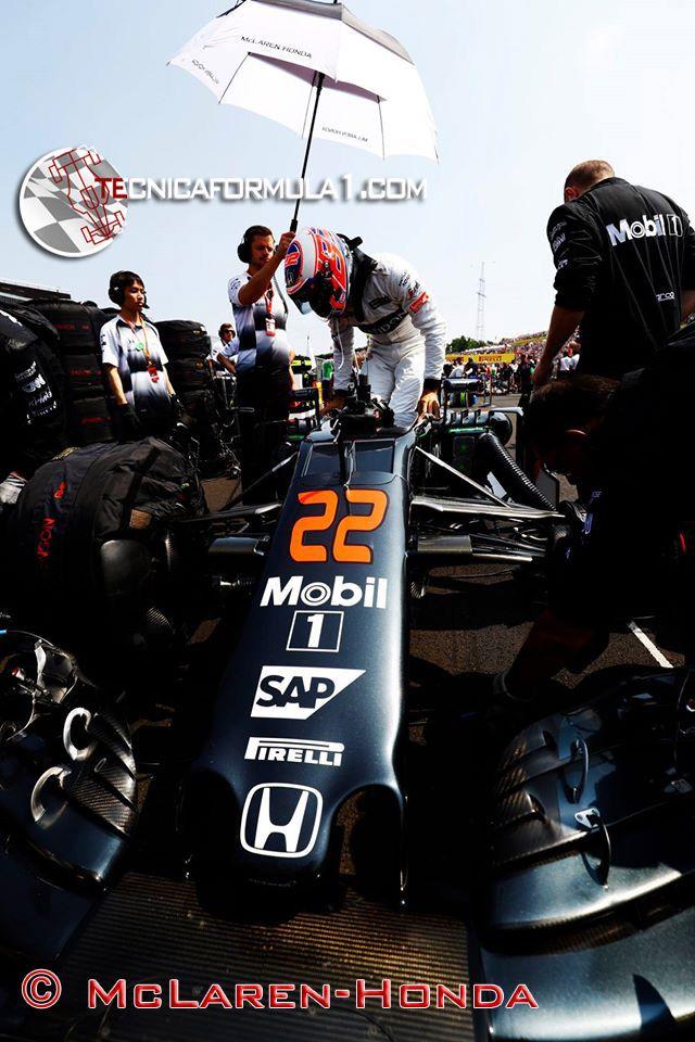 Button, frustrado y furioso  #F1 #HungarianGP