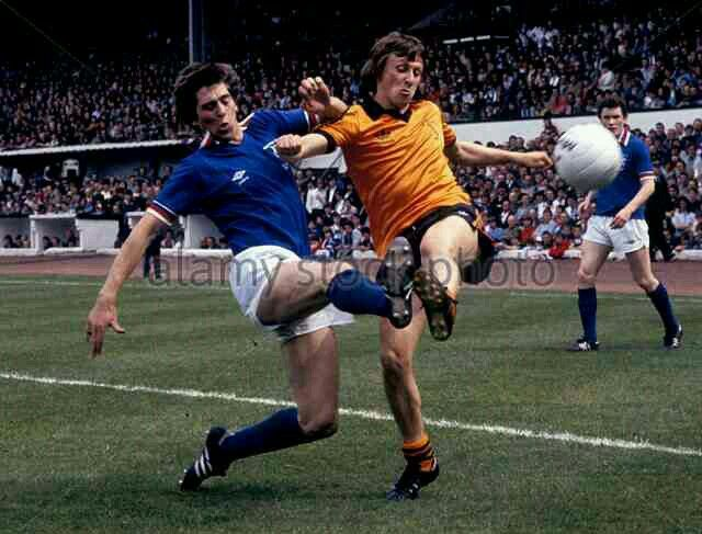 Rangers 0 Dundee Utd 0 in May 1981 at Hampden Park. Tom Forsyth tackles Paul Sturrock in the Scottish Cup Final.