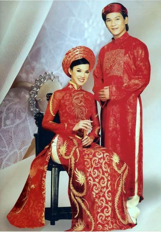 TRADITIONAL VIETNAMESE WEDDING DRESS | The Dress Shop.         ///////.     Vietnamese/English wedding invitation @ www.ThiepCuoiCali.com.        ///////////.