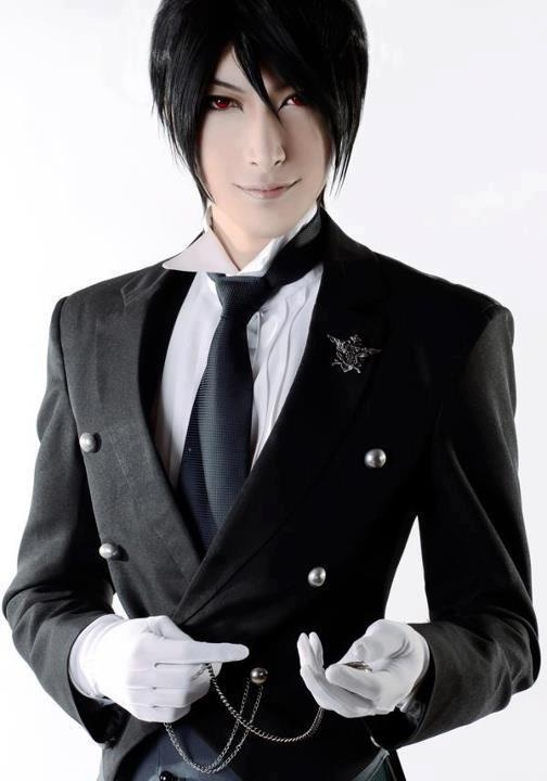 Sebastian Michaelis - Kuroshitsuji OMG this is the best cosplay I have ever seen!! >.< fan-girling to the max!