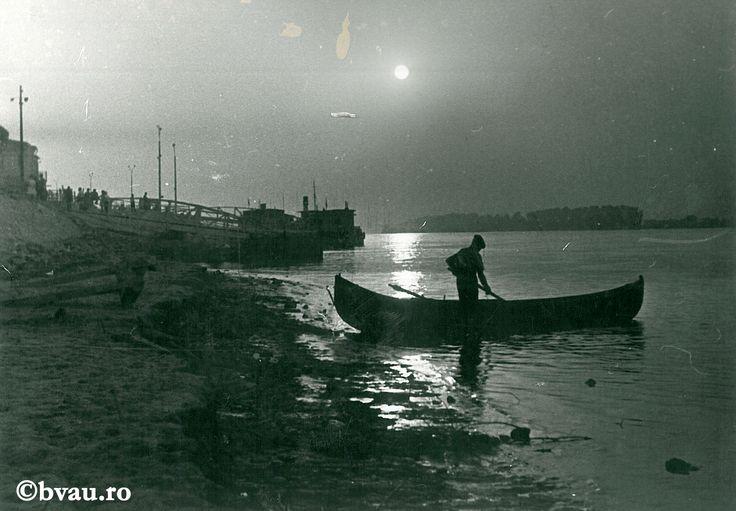 """Galați : Dimineața pe Dunăre I / Năstase Marin .- Galaţi, 1972. Imagine din colecțiile Bibliotecii """"V.A. Urechia"""" Galați."""
