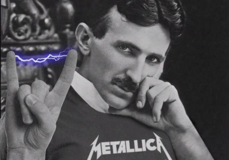 Le groupe de metal américain Metallica a côtoyé la mort pendant qu'il jouait Ride the Lightning sous 4 énormes bobines Tesla.