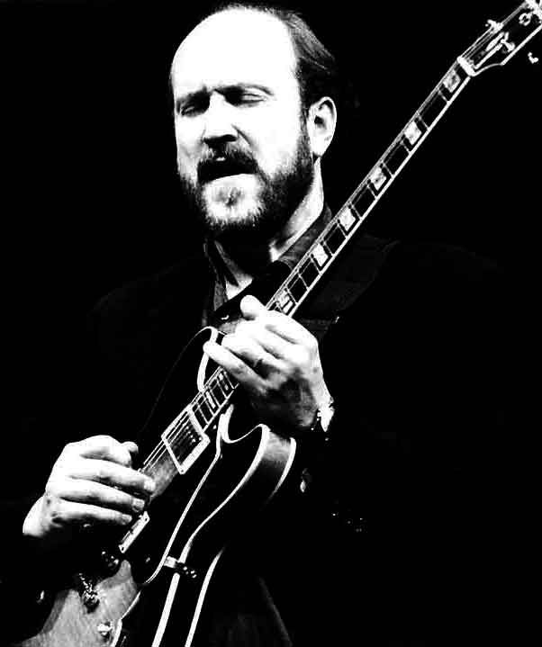 zZounds interview with John Scofield!