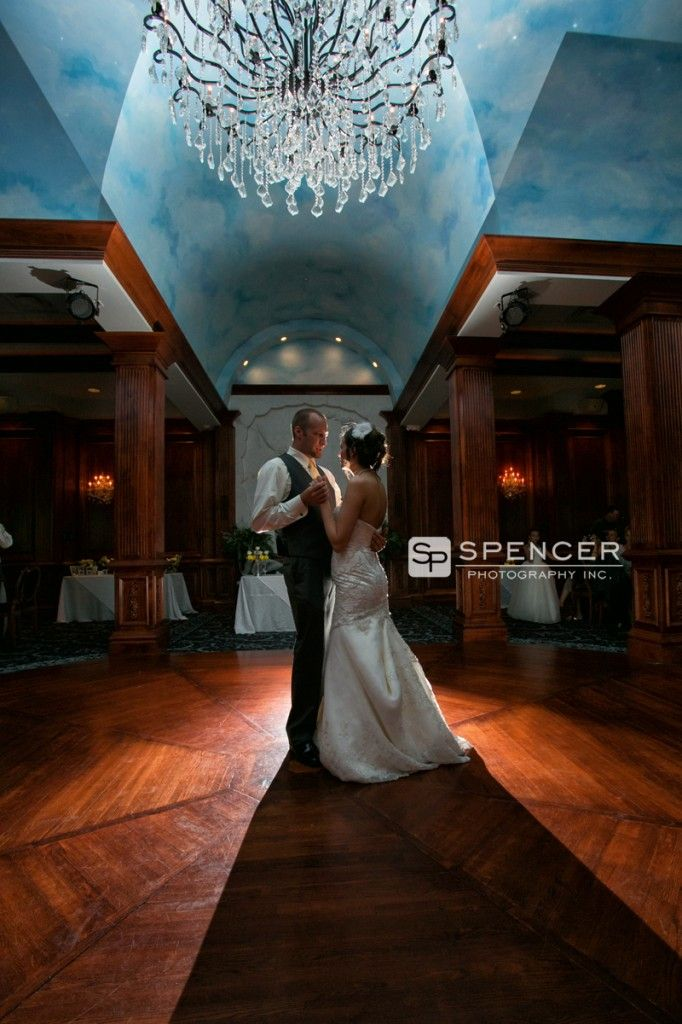 outdoor weddings near akron ohio%0A Troy and Jessica had a La Pizzaria wedding reception in Canton  Ohio