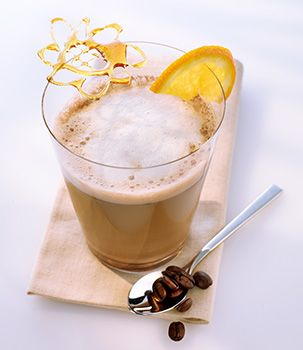 Chai tea is a standard Indian drink. Enjoy this tasty milky tea with a hint of vanilla and cinnamon. It's typically spicy flavour is a revelation of Indian tastes. Try our Delicious Chai Chocolate. Ingredients:  150 ml ESPRESTO Chai Latte (2 capsules), 15 g dark chocolate (1 pieces) and Whipped cream.