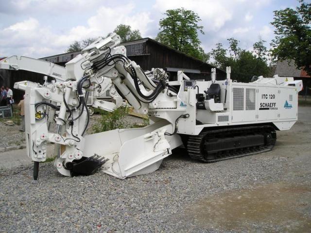 Schaeff Terex Geräte für Tunnelbau - Bauforum24 - Bau & Baumaschinen - Das Bauforum