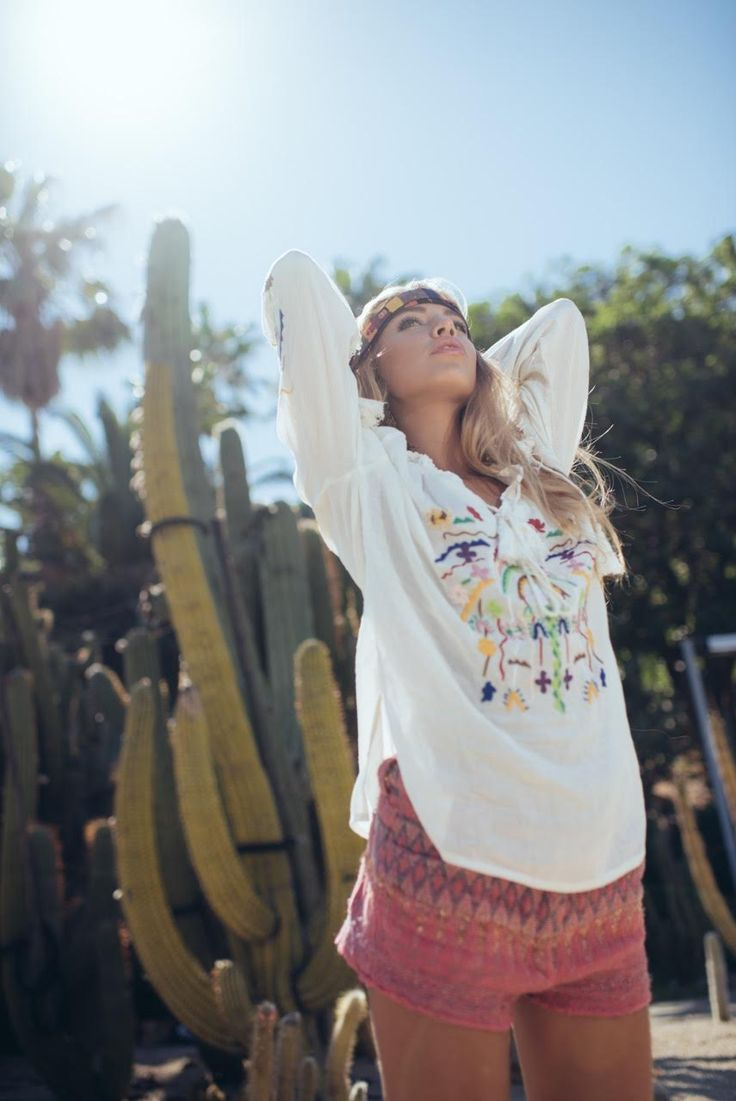 Ètè indien avec la sublime @goicoechea22 en blouse #Malibu #love #hippie #gypsy #bcn http://www.ninakaufmann.com/fr/blouse-malibu.html