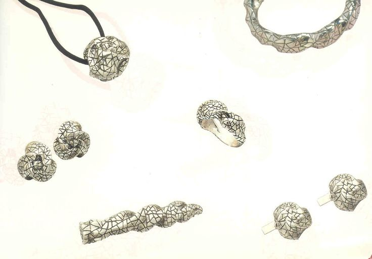 Collection in silver inspired by the Gaudi trencadís