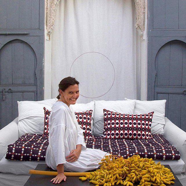 Une création Valérie Barkowski, en exclusivité pour AM.PM. On aime l'esprit artisanal revisité et les motifs uniques de ses créations. Un style authentique, raffiné et intemporel.