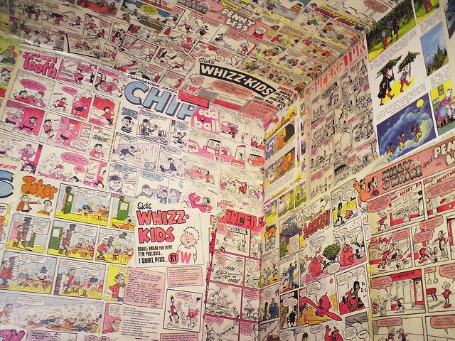 Papel a downstair toilet in comics or a book