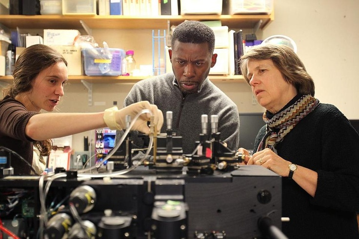 GZA, a founding member of the Wu-Tang Clan, met with scientists at MIT to do research for his next album. On left is graduate student Jessie Thompson, on the right MIT professor and marine biologist Penny Chisholm.