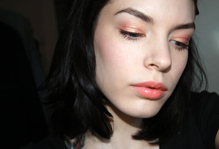Coral!: Coral, Makeup Inspiration, Rodeo Magazines, Colour Rubenesqu, Polish Makeup Hair, Mac Paintings Pots, Killers Colour, Eyeshadows, Mac Paint Pots