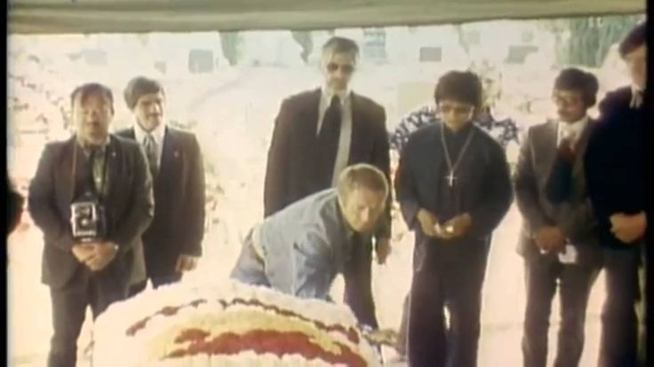 Real Footage of Bruce Lee's Funeral