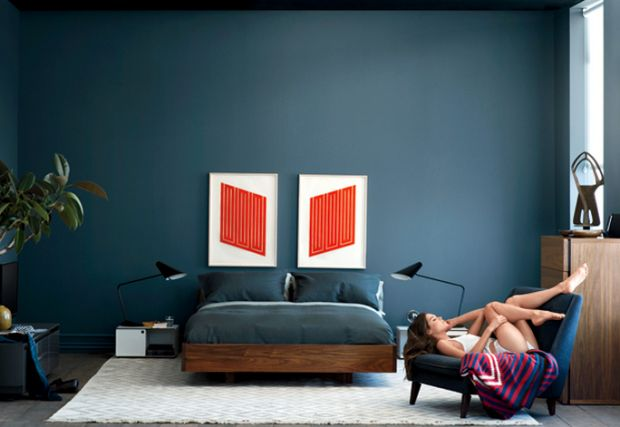10 WAYS TO MAKE YOUR PAD A PLACE SHE CAN'T RESIST #wall #color #blue