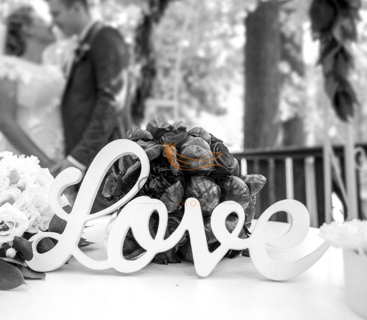 Λευκά Γράμματα LOVE