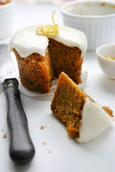 Carrot cake, glaçage citron - Photo, recette et stylisme : Noémie STROUK